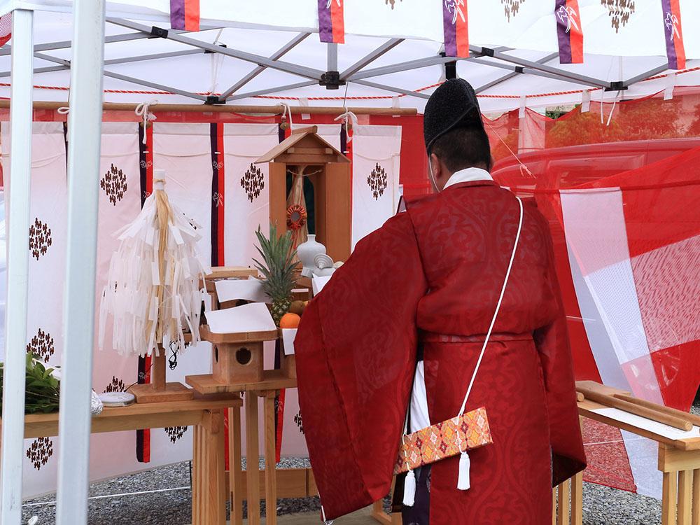 地鎮祭で祀られる神棚の様子です。