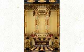 黄金に輝く宮殿が表現する 仏の世界